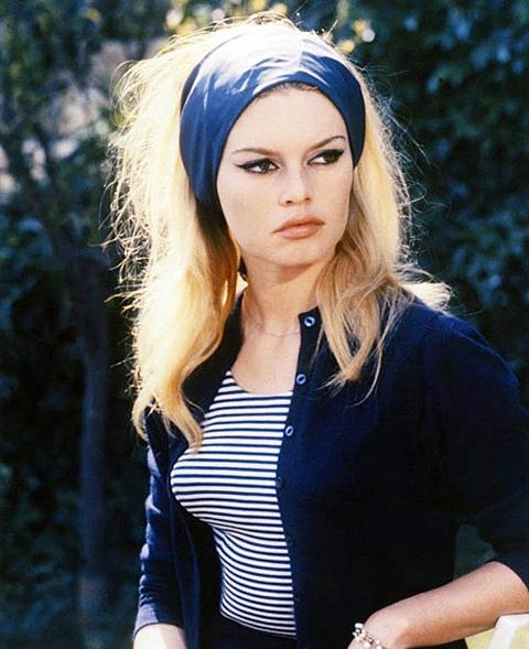 Brigitte Bardot v kultovom námorníckom tričku
