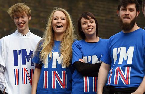 Anti-Brexit tričká s potlačou