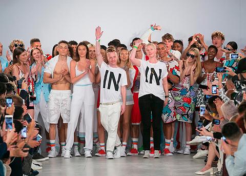 Vivienne Westwood a tričká s potlačou