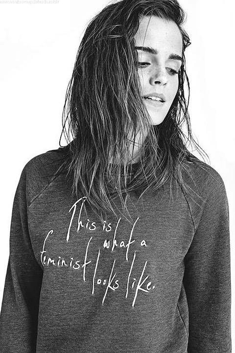 Emma Watson v tričku s potlačou This is what a feminist looks like